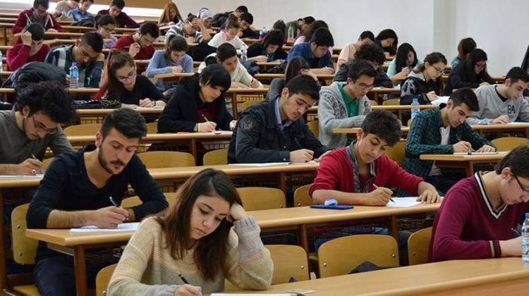 2018-2019 Eğitim- Öğretim Yılı Güz Yarıyılında Final Sınavları 02-10 Aralık tarihleri arasında I. ve II. Öğretim Öğrencileri için yapılacaktır